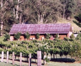 Undercliff Winery and Gallery - Accommodation QLD
