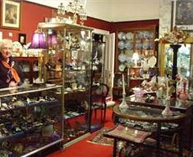 Nerilee Antiques - Accommodation QLD