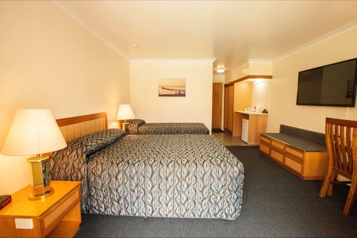 Comfort Inn Bay of Isles - Accommodation QLD