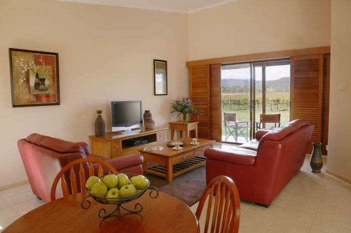 Nightingale Wines Luxury Villas - Accommodation QLD