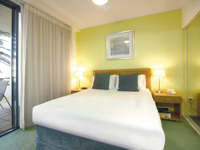 Oaks Calypso Plaza - Accommodation QLD