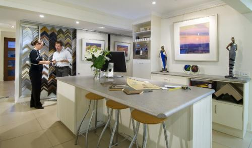 Art Nuvo Gallery - Accommodation QLD