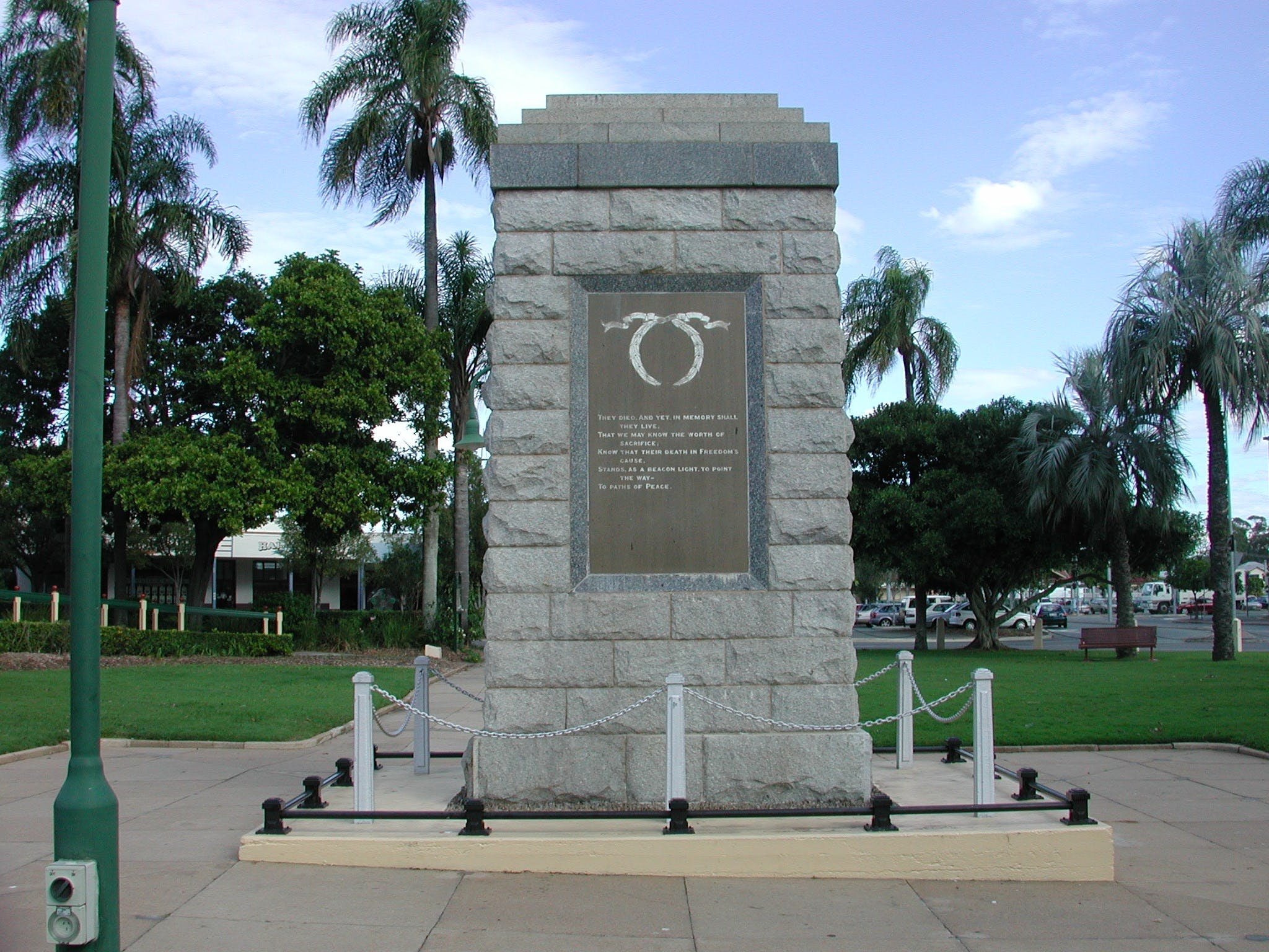 Sandgate War Memorial Park - Accommodation QLD