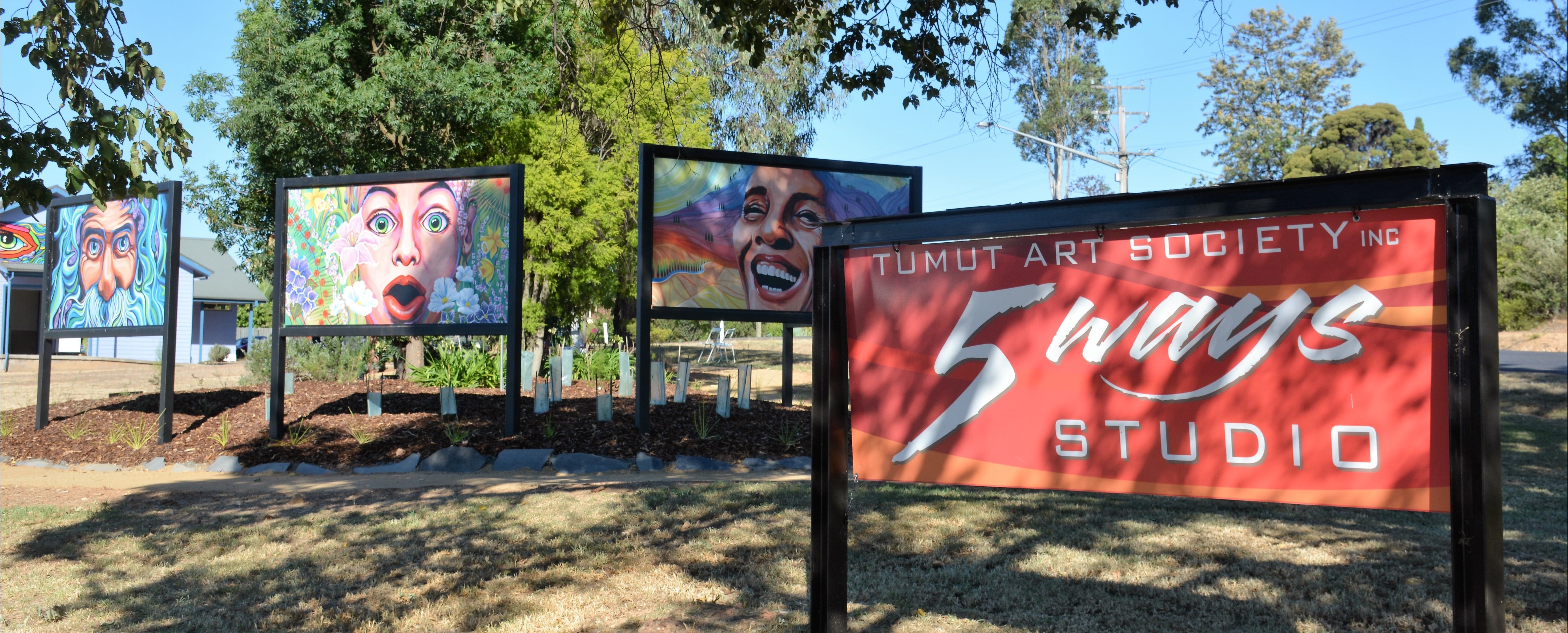 Tumut Art Society 5Ways Gallery - Accommodation QLD