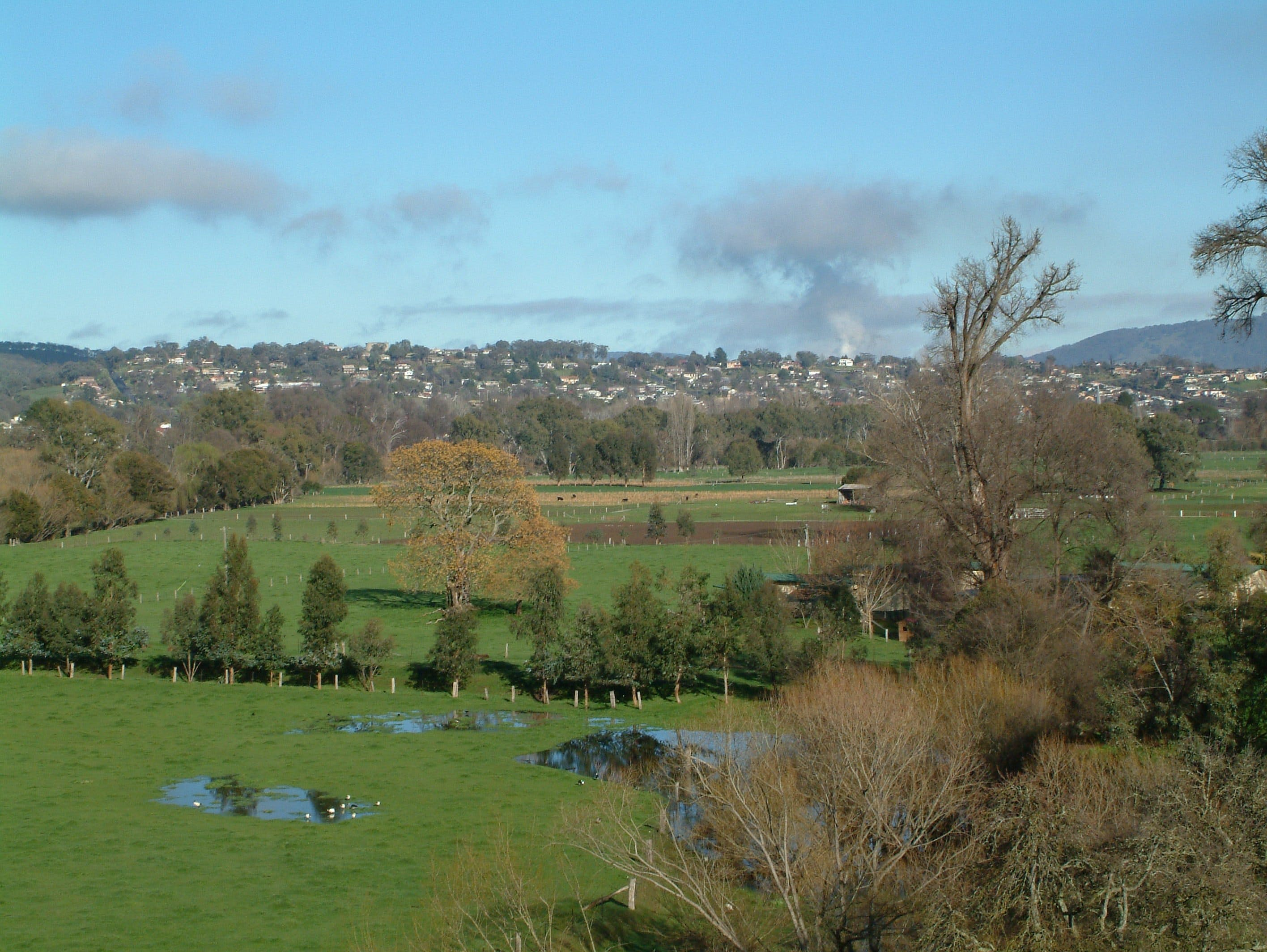 Tumut - Accommodation QLD