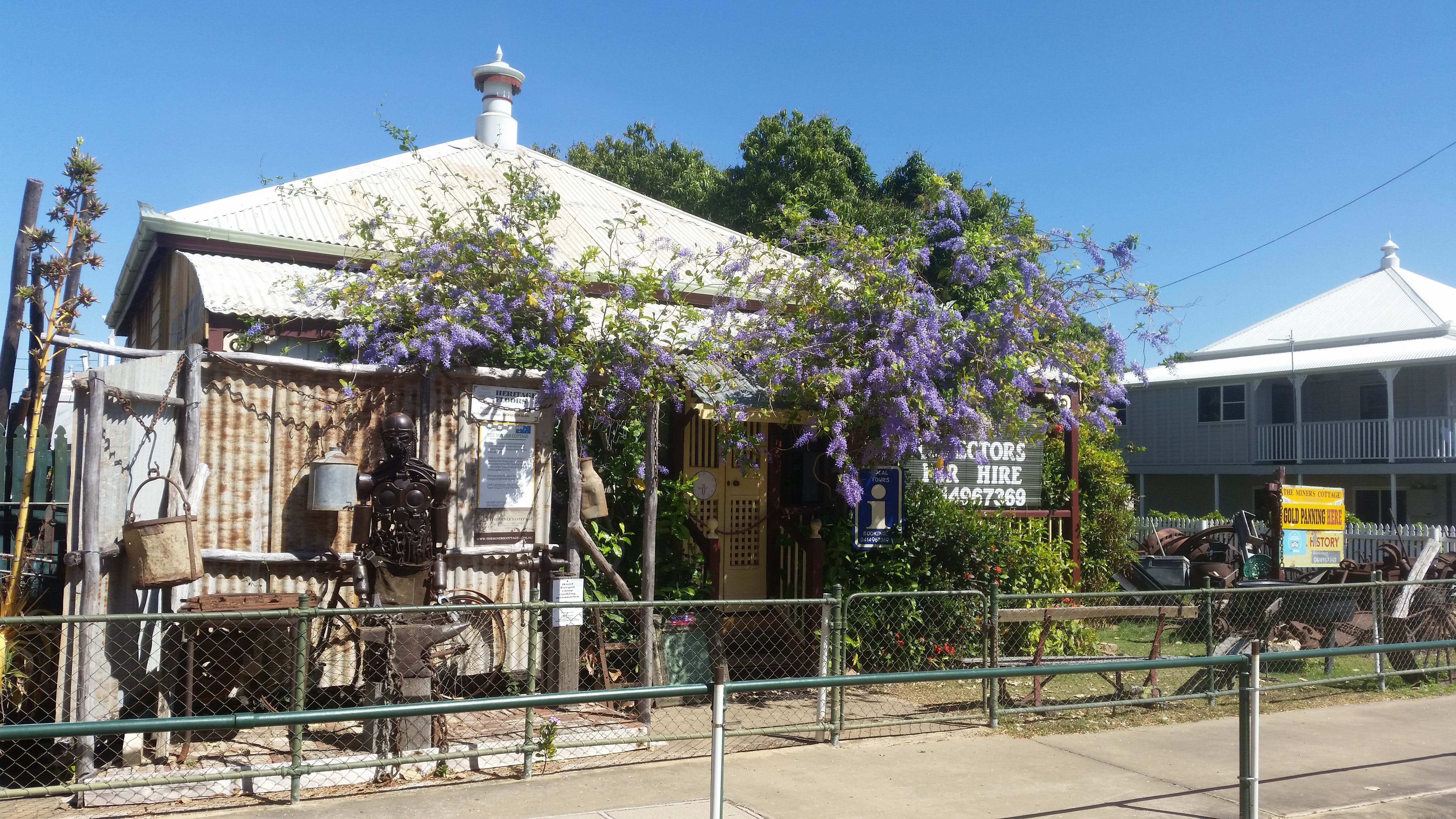 The Miner's Cottage - Accommodation QLD