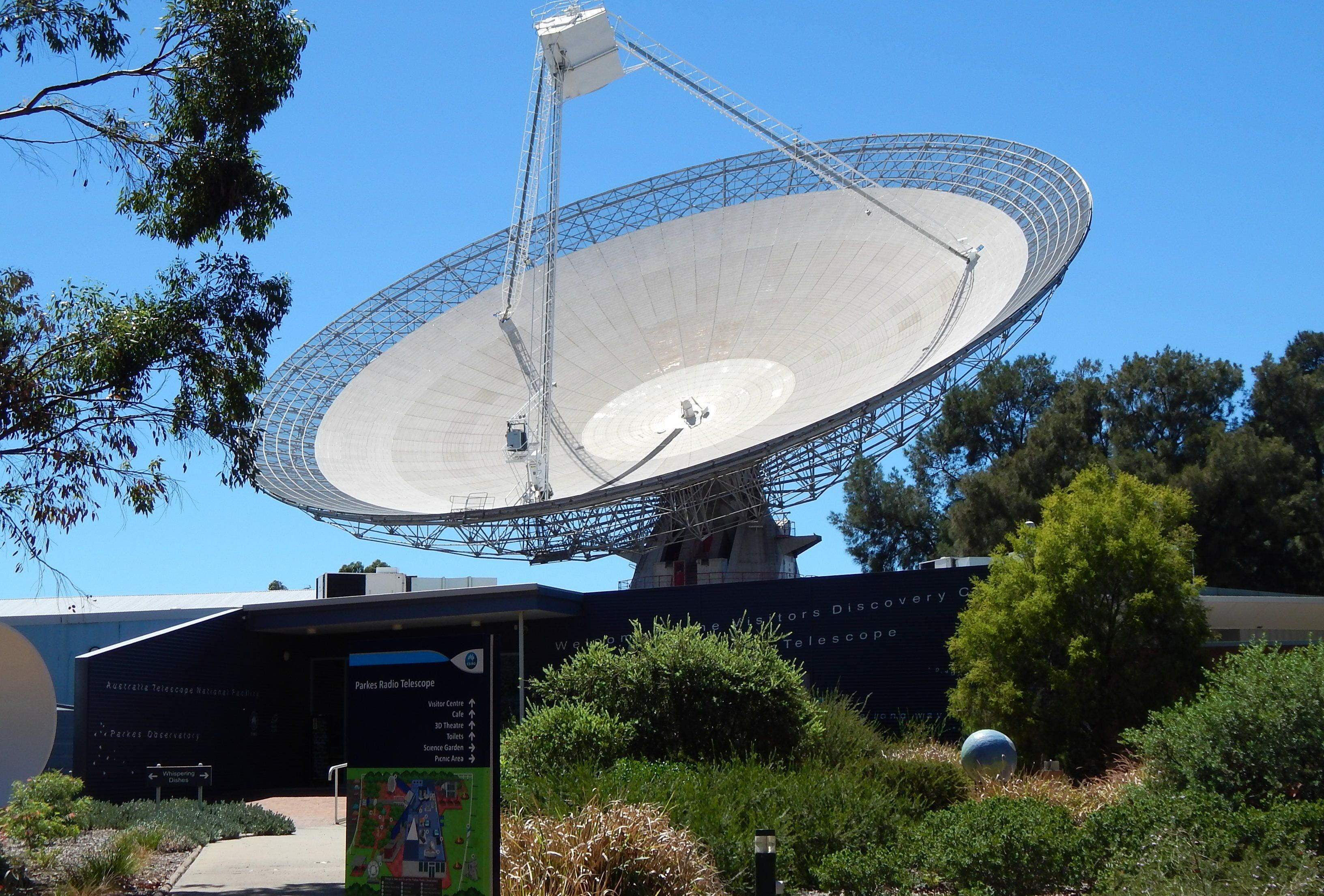 CSIRO Parkes Radio Telescope Visitor Centre - Accommodation QLD