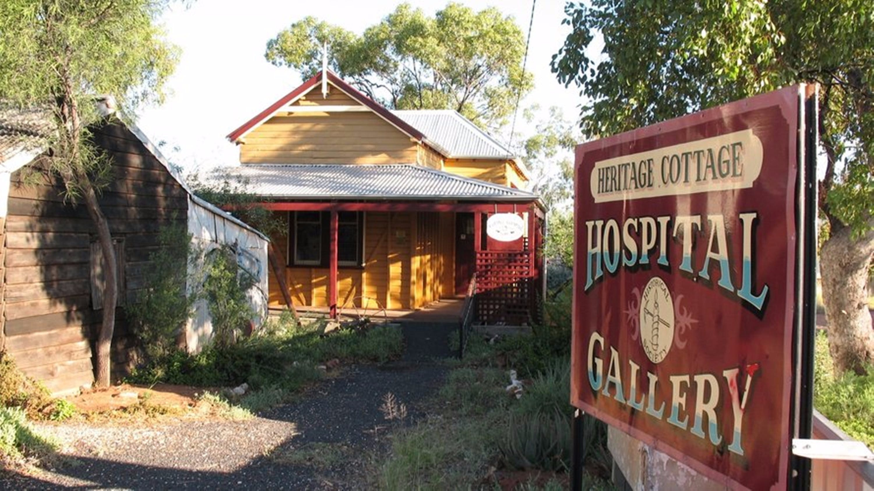 Lightning Ridge Heritage Cottage - Accommodation QLD