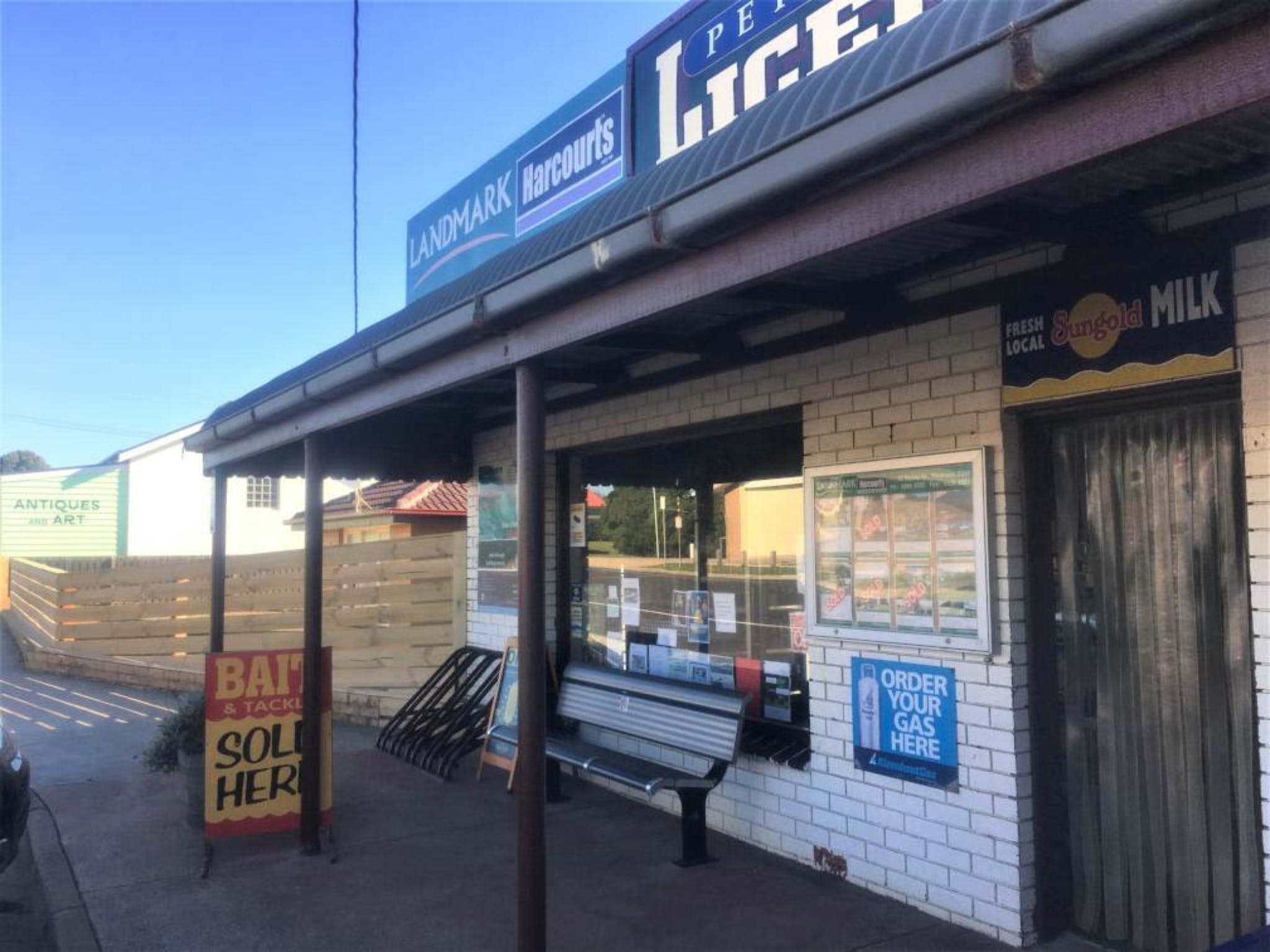 Peterborough Licensed Grocers - Accommodation QLD