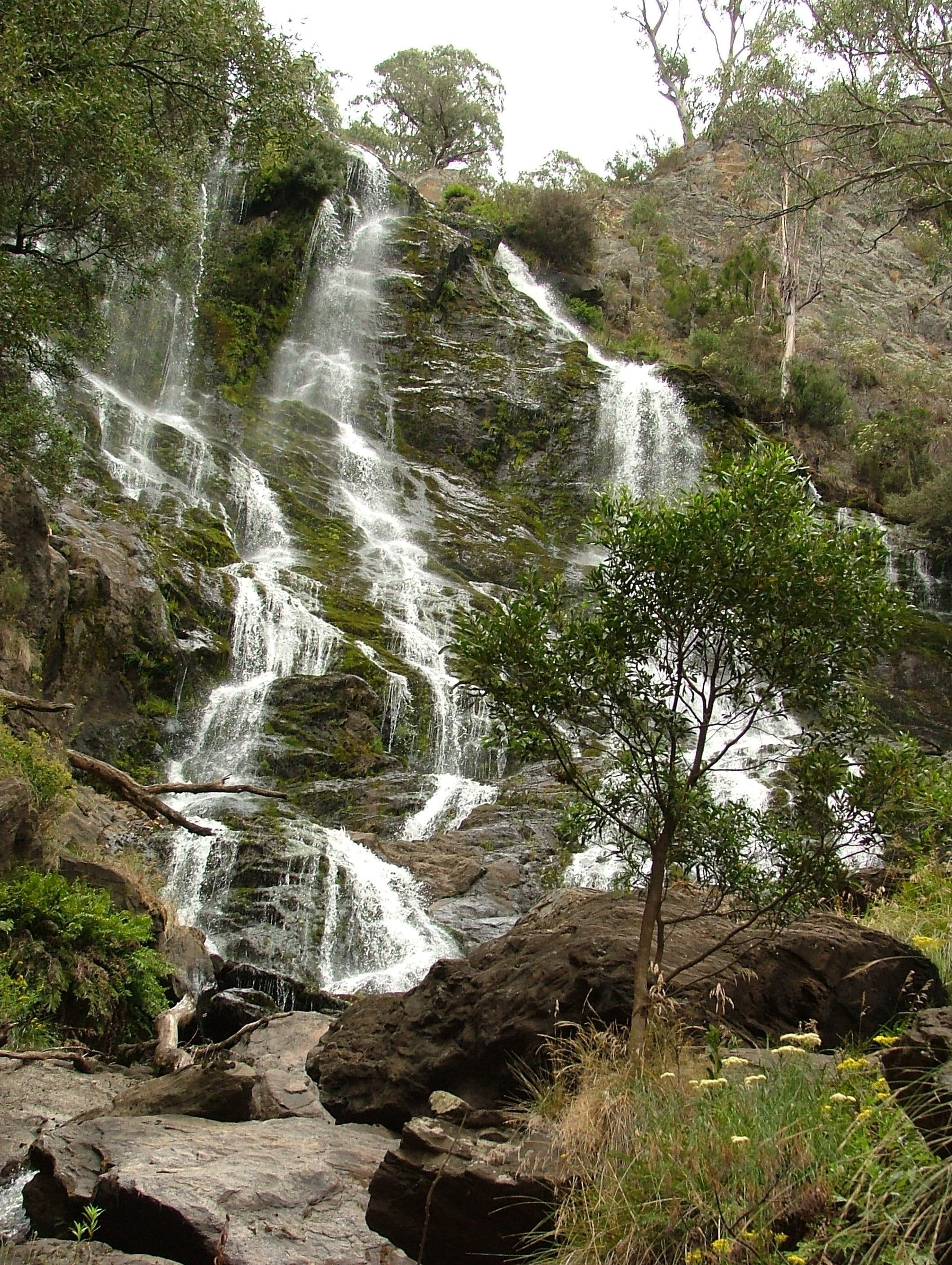 Buddong Falls Walking Track - Accommodation QLD
