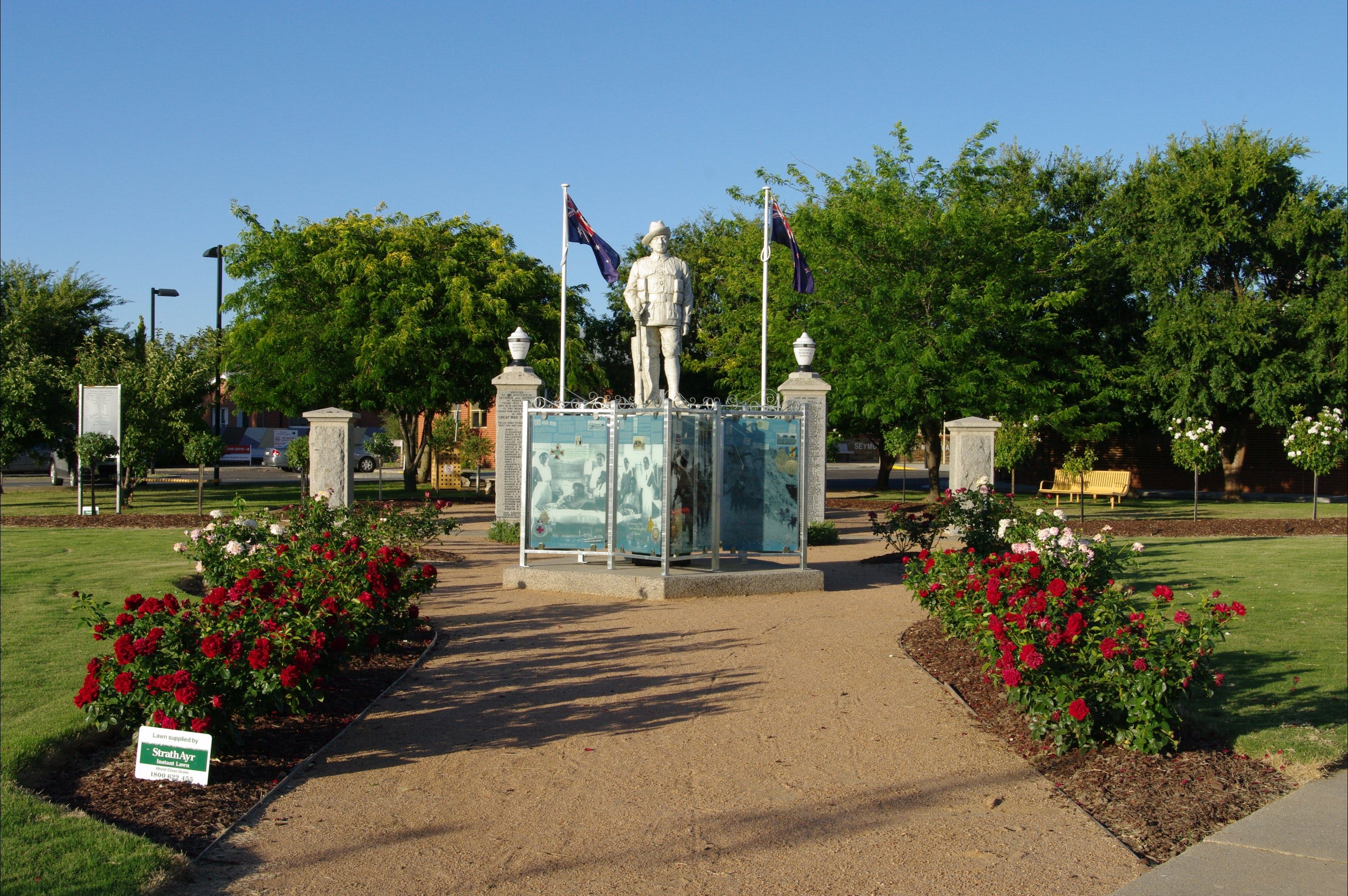 WW1 Memorial Park - Accommodation QLD