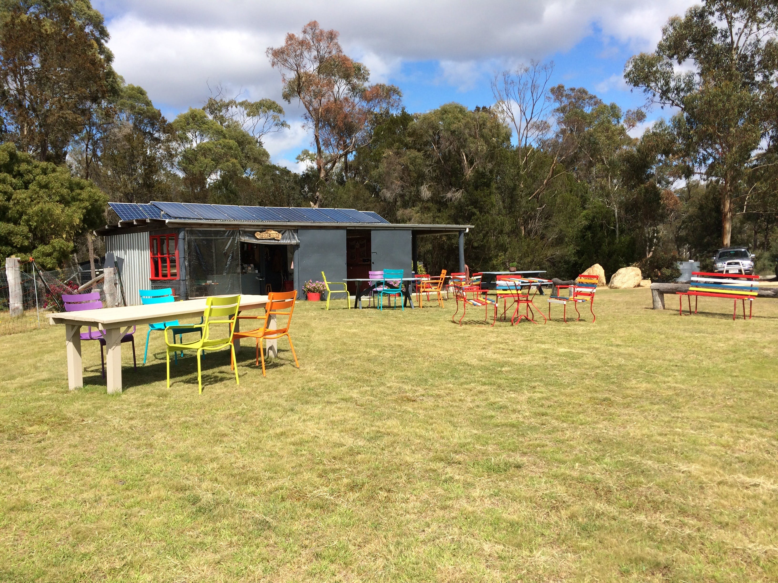 Cerisebrook Orchard and Family Golf - Accommodation QLD