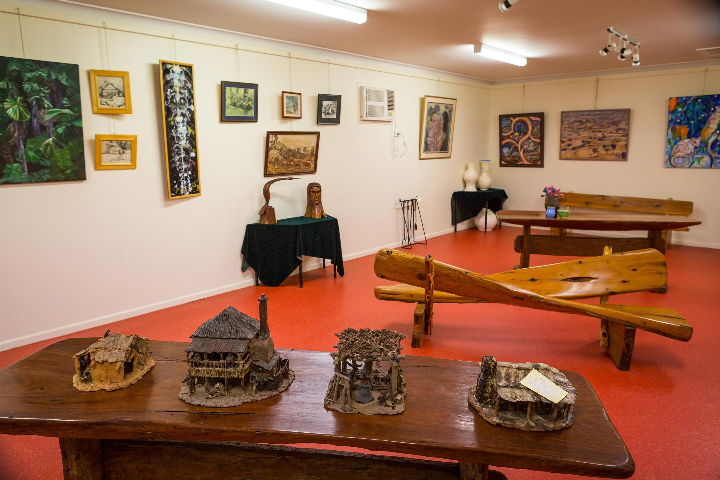 Jane Neville Rolfe Art Gallery - Accommodation QLD