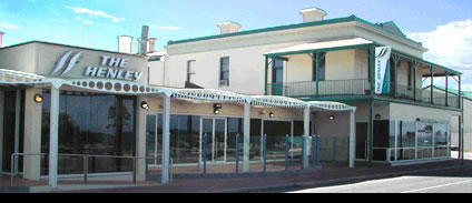 Henley Beach Hotel - Accommodation QLD