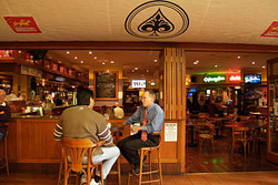 Aces Bar and Bistro - Accommodation QLD