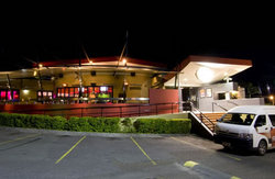 Fitzy's Hotel - Accommodation QLD