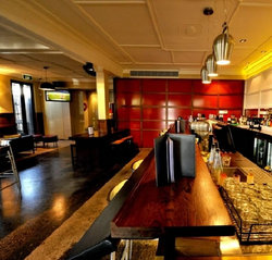 Golden Gate Hotel - Accommodation QLD