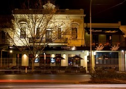 Crown and Sceptre Hotel - Accommodation QLD