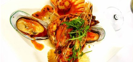 Lively Catch Seafood Restaurant - Accommodation QLD