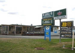 Lilydale Tavern - Accommodation QLD