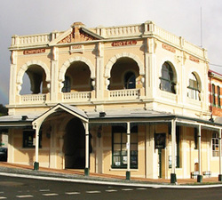 Empire Hotel - Accommodation QLD