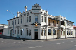 Alexander Hotel - Accommodation QLD