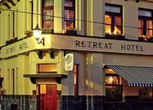 The Retreat Hotel - Accommodation QLD