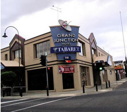 Grand Junction Hotel - Accommodation QLD