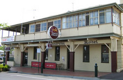 Commercial Hotel Alexandra - Accommodation QLD