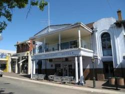 Mount Pleasant Hotel - Accommodation QLD