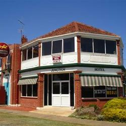 Allansford Hotel - Accommodation QLD