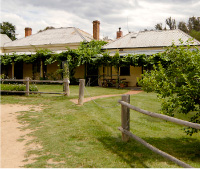 The Blue Duck Inn Hotel - Accommodation QLD