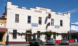 Shire Hall Hotel - Accommodation QLD