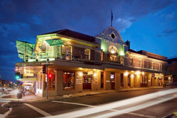 Town Hall Hotel - Accommodation QLD