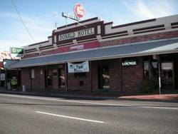Donald Hotel - Accommodation QLD
