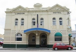 The London Hotel - Accommodation QLD