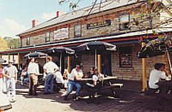 Surveyor General Inn - Accommodation QLD
