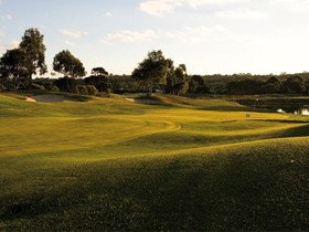 McCracken Country Club Golf Course - Accommodation QLD