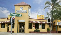 Albion Park Hotel - Accommodation QLD