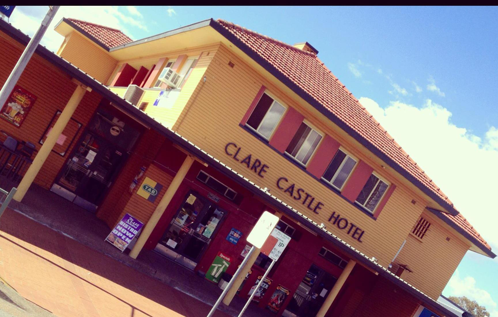 Clare Castle Hotel - Accommodation QLD