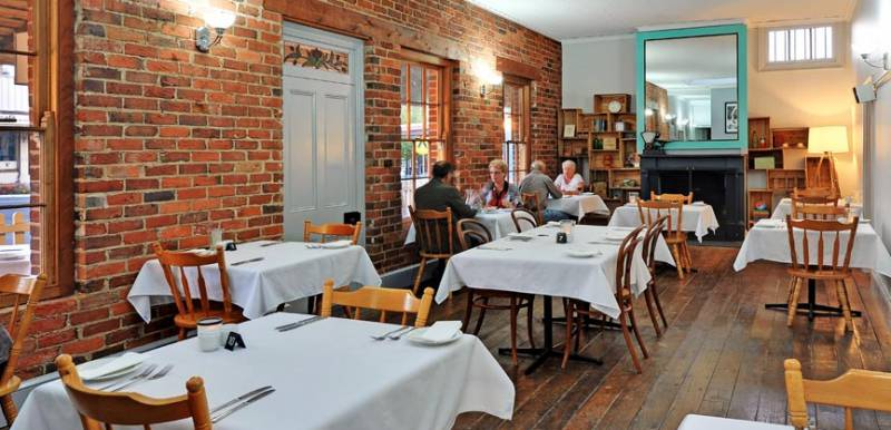 Stokers Restaurant  Bar - Accommodation QLD