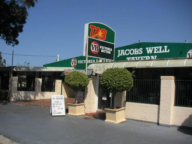 Jacobs Well Bayside Tavern - Accommodation QLD