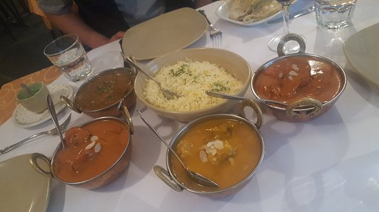 Tandoori  Curry Club - Accommodation QLD
