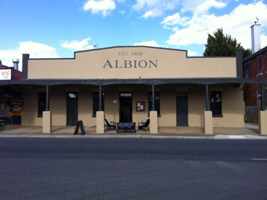Albion est 1868 - Accommodation QLD