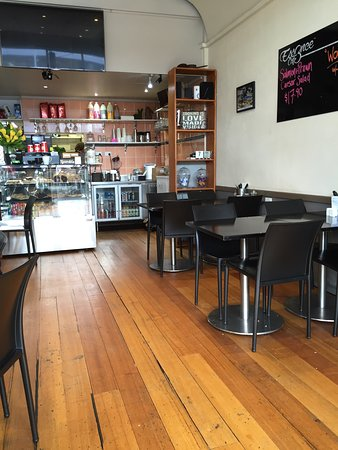 Essence Cafe - Accommodation QLD