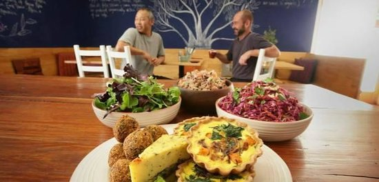 Organic Feast Wholefoods Cafe - Accommodation QLD