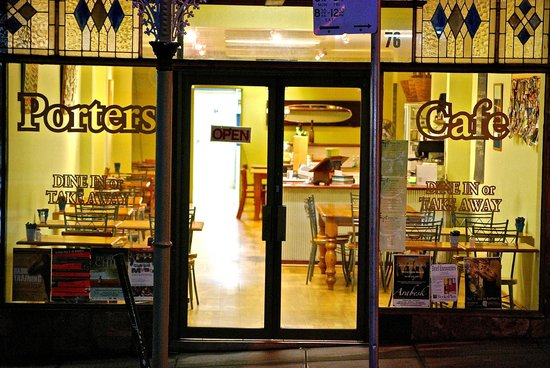 Porters Cafe - Accommodation QLD