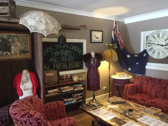 Aussie Outback Wares and Cafe - Accommodation QLD