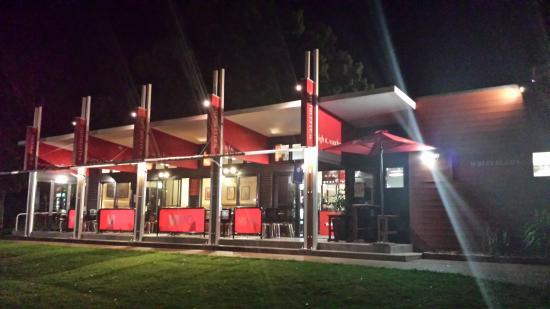 Watermans Cafe - Accommodation QLD