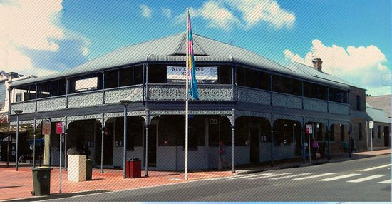 The New England Hotel - Accommodation QLD